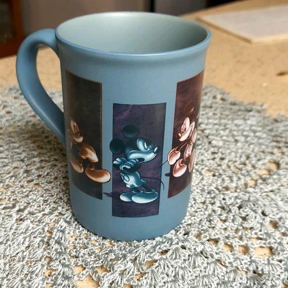 MICKEY Mug Authentic